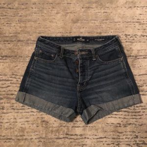 Hollister women's jeans shorts size 3 ( W 26)